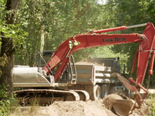 Horseshoe Lake Earthmoving